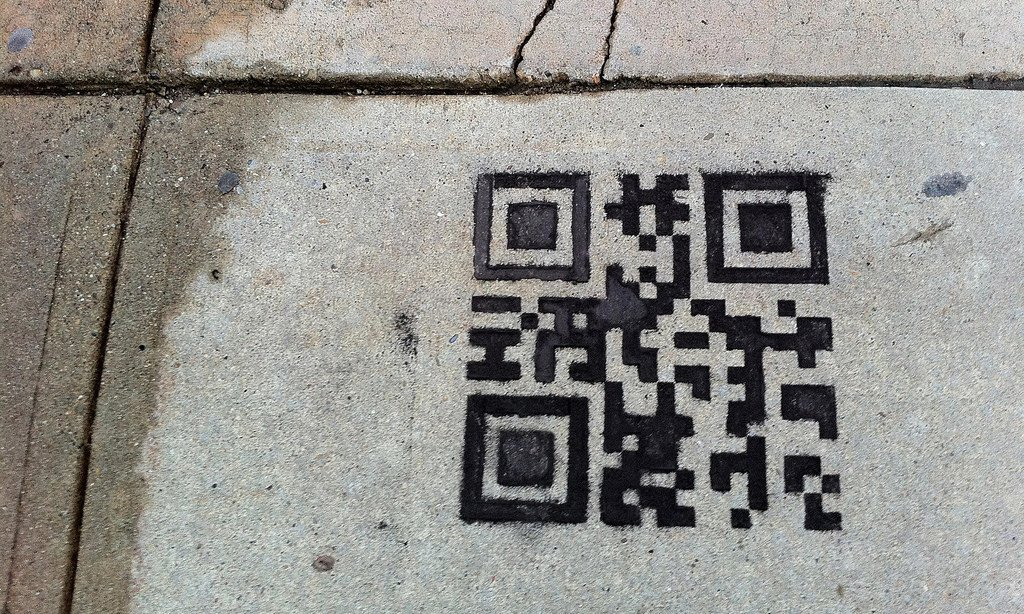 Bridging the Physical-Digital Gap with QR Codes in the Classroom