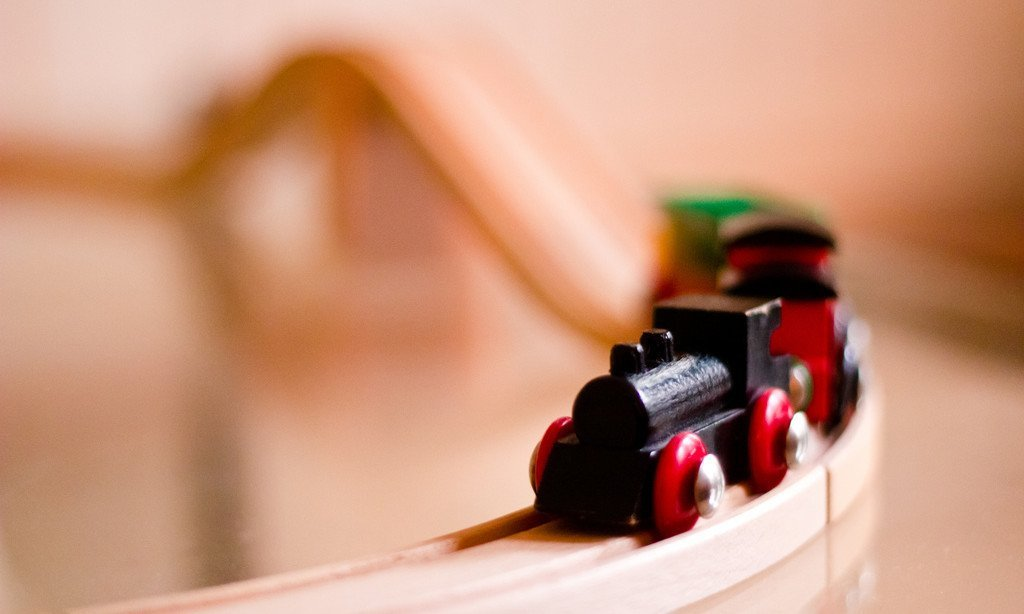 11 Wonderful Wooden Train Set Toys for Kids