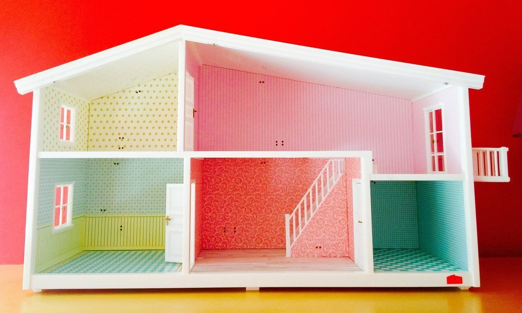 11 Enchanting Dollhouse Sets to Encourage Imaginative Play