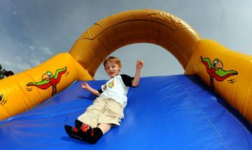 9 Fabulous Inflatable Bounce House Toys for Energetic Kids
