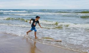 9 Gnarly Skimboard Options for Summertime Fun in the Sun